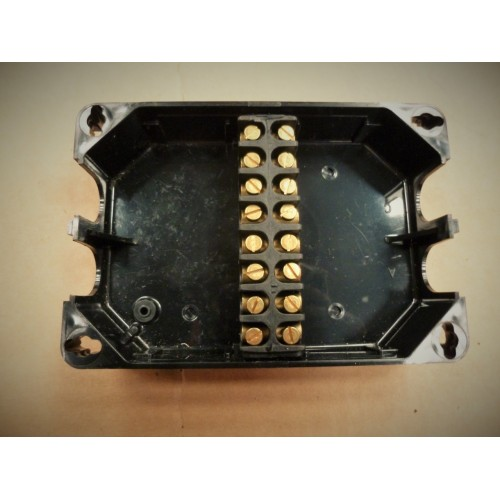 Rubbolite Junction Box With 8 Way Terminal Block 111