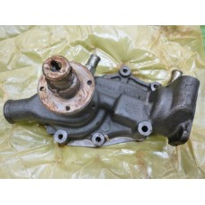 NEW WATER PUMP FOR A VAUXHALL VENTORA VIVA 3.3 ENGINE - 9960176